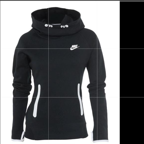 3d13e34a5132 Nike tech fleece pullover cowl neck hoodie. M 5b82d90a0945e0c056bbd842